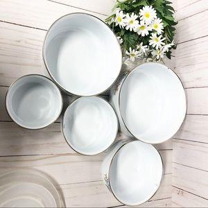Vintage Kitchen - Vintage Enamelware Covered Nesting Bowls Farmhouse